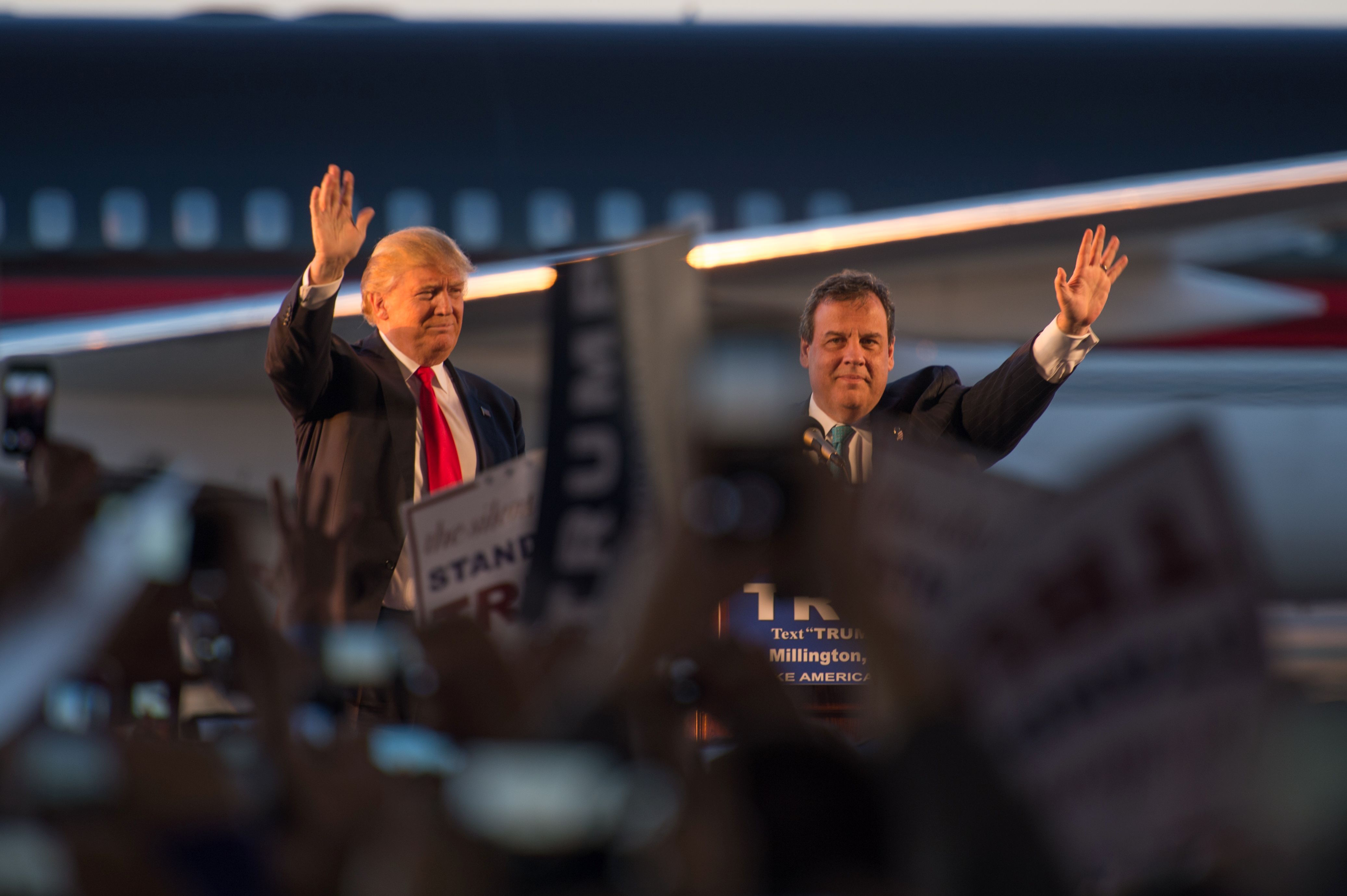 What Does Chris Christie Have to Gain By Endorsing Donald Trump?