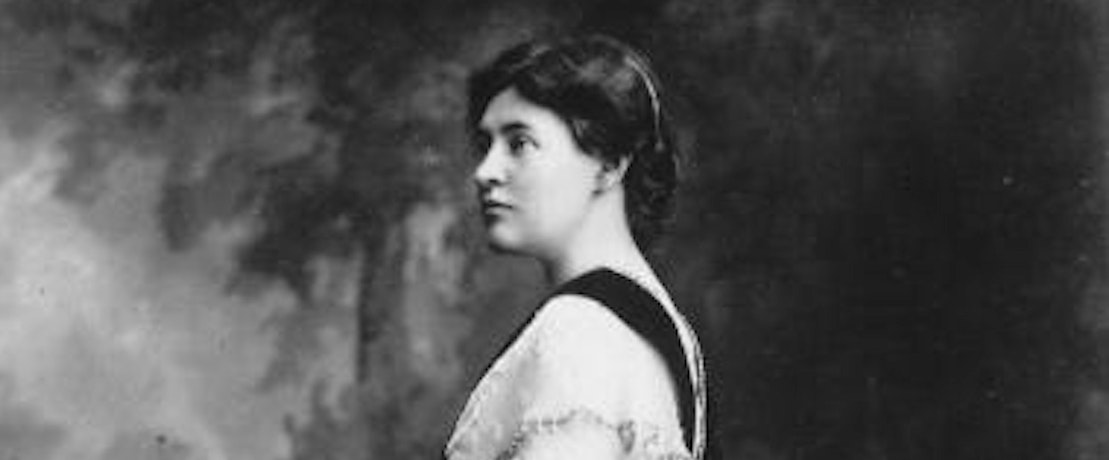 the feminist tendencies of willa cather The new yorker, november 27, 1995 p 60 life and letters about willa cather and feminist literary critics who have embraced her as a lesbian writer suggests that she might not have been homosexual.