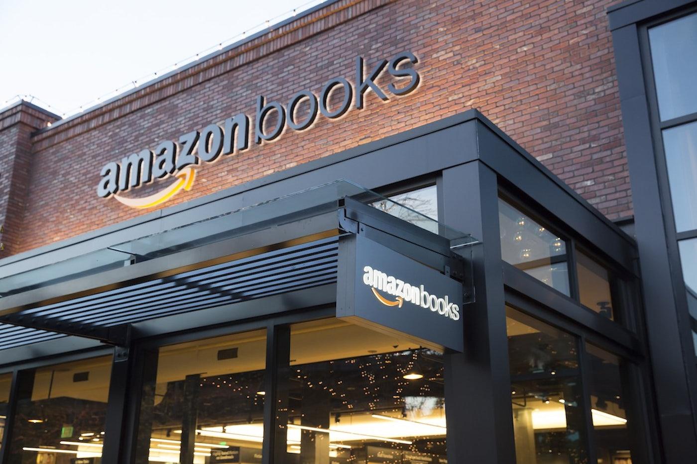 L'edificio a mattoncini che ospita la prima libreria di Amazon a Seattle.