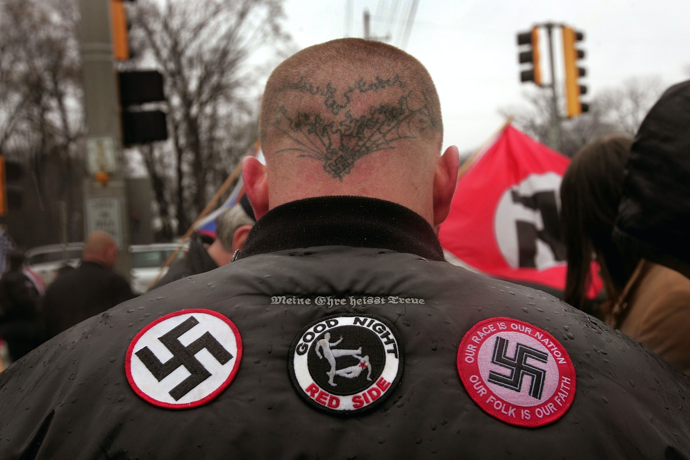 A neo-Nazi demonstration outside the Illinois Holocaust Museum in April 2009