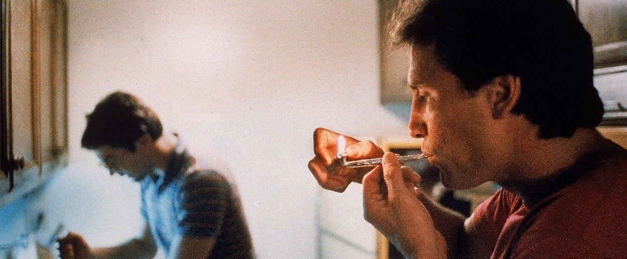 Smoking guys enjoy oral sex