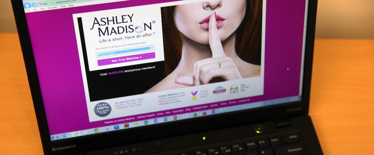 How many members does ashley madison have