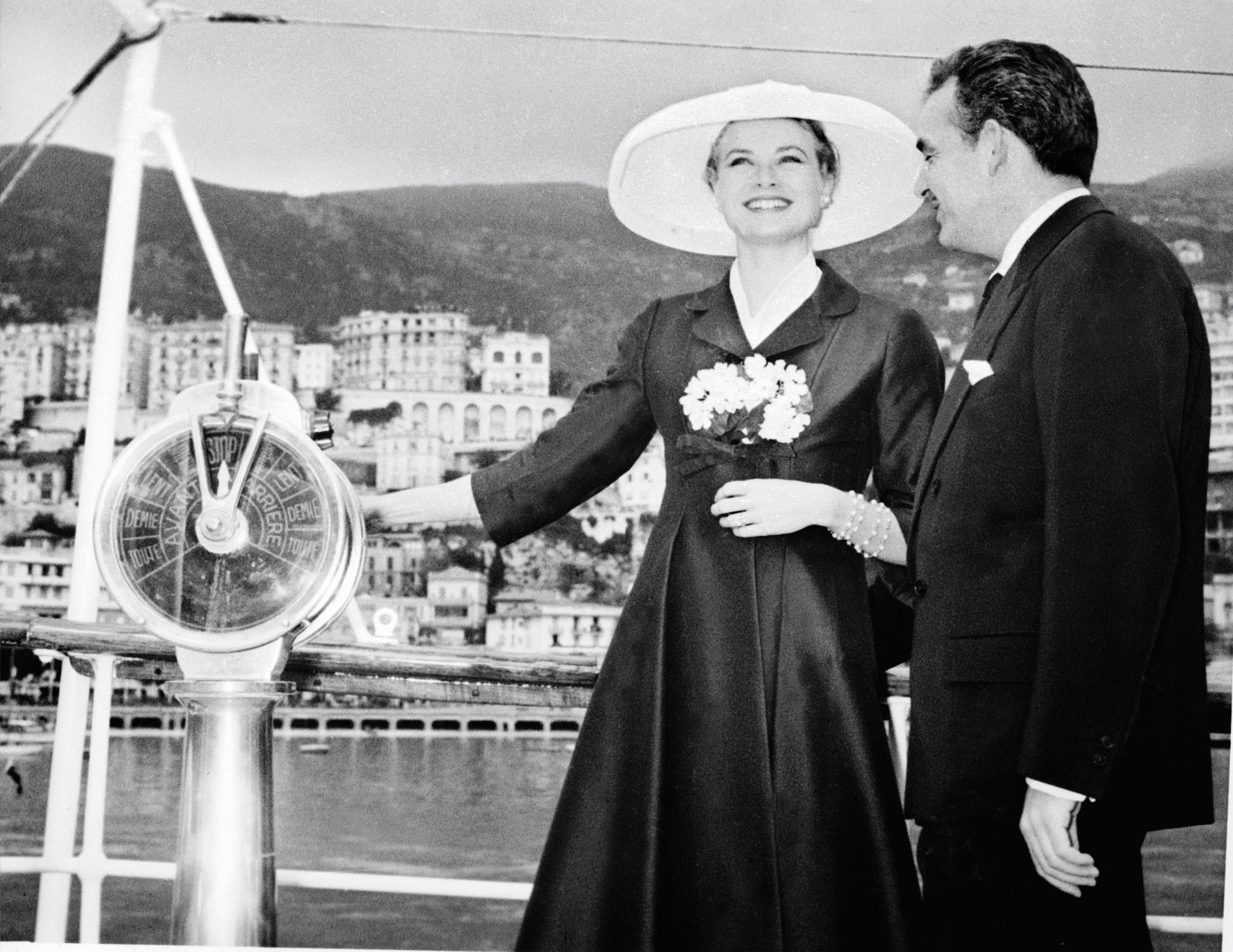 Princess Grace Wedding Ring 47 Marvelous Grace Kelly arrives from