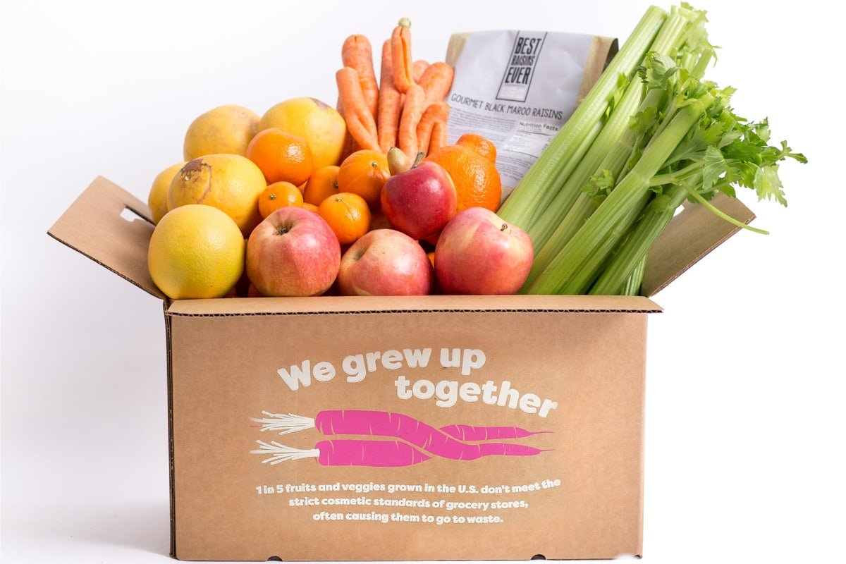"""Does Your Box of """"Ugly"""" Produce Really Help the Planet? Or Hurt it"""