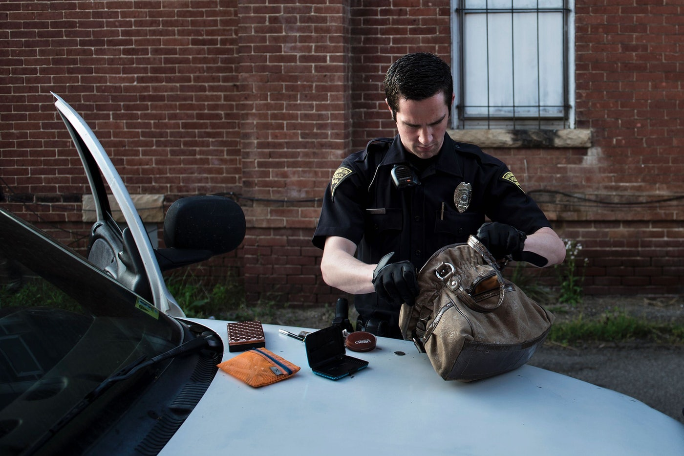 Should Cops Be Allowed to Rip Up Your Stuff While Looking for Drugs? | The New Republic