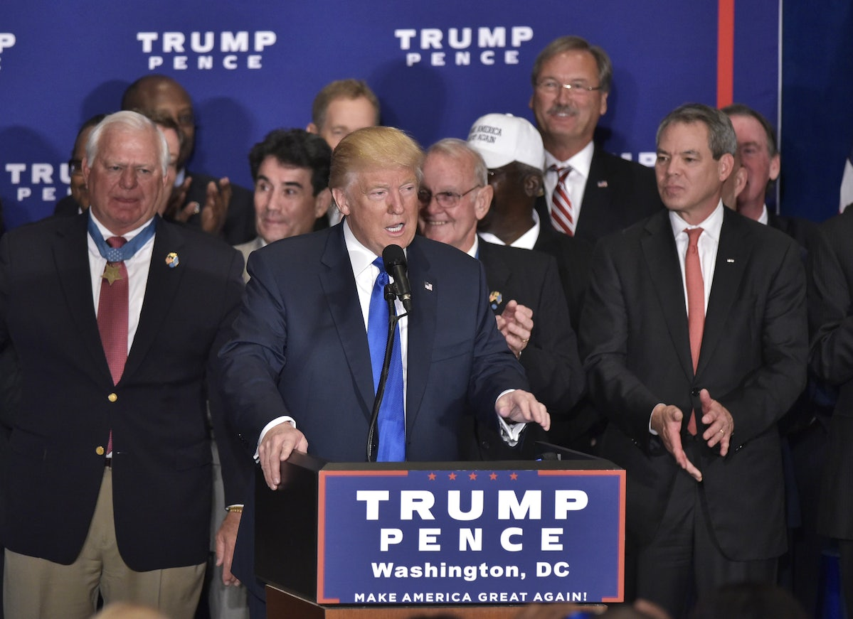 Dont Let Donald Trump Bury The Birther Issue The New Republic
