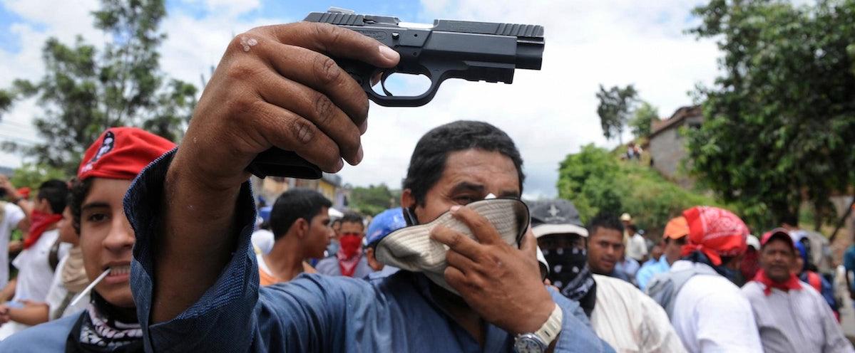 ผลการค้นหารูปภาพสำหรับ gun in honduras
