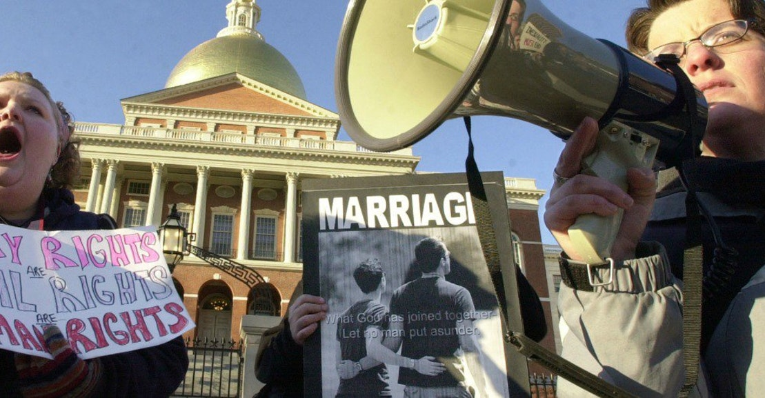 constitution gay marriage There is no constitutional right to marriage why did the supreme court duck an opportunity to resolve whether or not bans on gay marriage are constitutional.