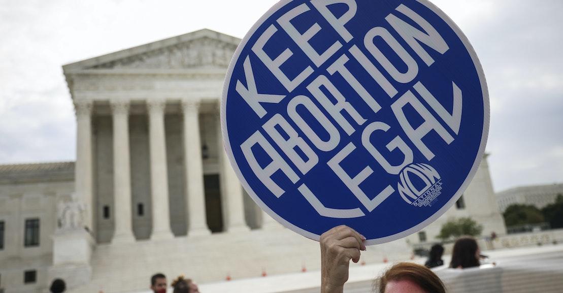 Mahkamah Agung Akan Menentukan Masa Depan Hak Reproduksi