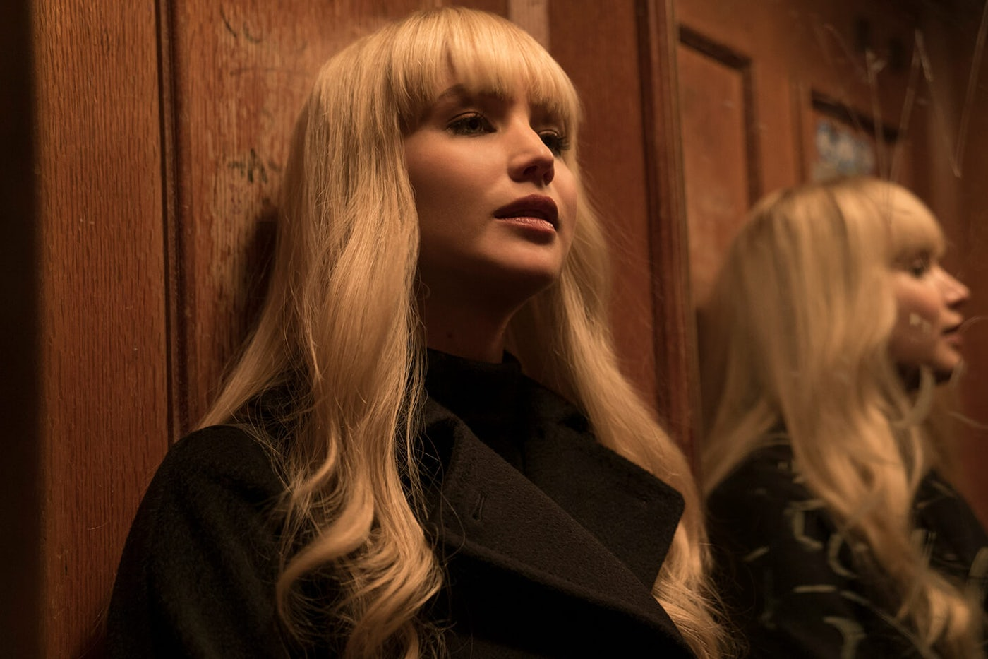 What S Hiding Behind Jennifer Lawrence S Bangs The New Republic
